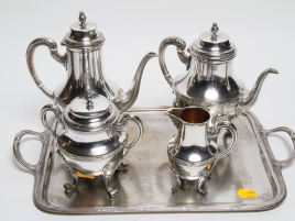 UN SERVICE A THE CAFE 5 PIECES EN METAL ARGENTE DE STYLE LXVI