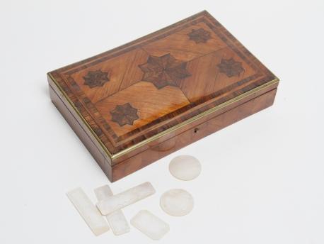 coffret a jetons en marqueterie d epoque napoleon iii hoteldesventeschatou. Black Bedroom Furniture Sets. Home Design Ideas