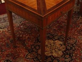 TABLE MOUCHOIR STYLE LOUIS XVI marqueterie de bois de rose