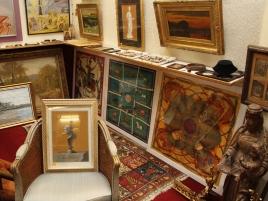 Salle des ventes (tableaux, 5 images)