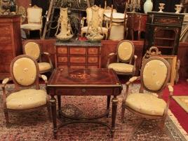 Salle des ventes (meubles, tableaux...)